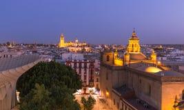 Σεβίλη, Ισπανία, άποψη νύχτας της ιστορικής αρχιτεκτονικής της πόλης Στοκ εικόνα με δικαίωμα ελεύθερης χρήσης