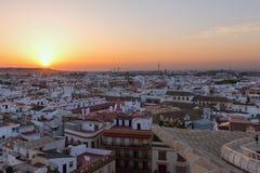Σεβίλη στην Ισπανία Ορίζοντας πόλεων Dusk στοκ φωτογραφία με δικαίωμα ελεύθερης χρήσης