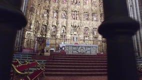 Σεβίλη, Ανδαλουσία, Ισπανία - 18 Απριλίου 2016: Καθεδρικός ναός της Σεβίλης απόθεμα βίντεο