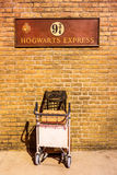 Σεβασμός βρετανικών σιδηροδρόμων στο Harry Potter στο διαγώνιο σταθμό βασιλιάδων Στοκ φωτογραφία με δικαίωμα ελεύθερης χρήσης
