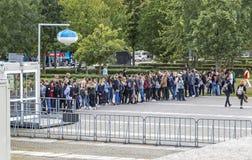 Σειρά αναμονής για την επίσκεψη το γερμανικό κτήριο του Κοινοβουλίου στο Βερολίνο Στοκ Φωτογραφίες