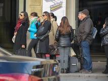 Σειρά αναμονής στη Μπολόνια στοκ φωτογραφία με δικαίωμα ελεύθερης χρήσης