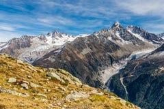 Σειρά βουνών Άλπεων κατά τη διάρκεια της θερινής ημέρας - Γαλλία Στοκ φωτογραφίες με δικαίωμα ελεύθερης χρήσης