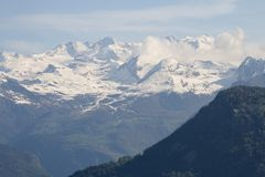 Σειρά βουνών κοιλάδων της Ιταλίας Aosta στοκ εικόνα με δικαίωμα ελεύθερης χρήσης