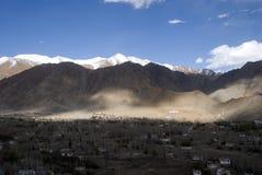 σειρά βουνών της Ινδίας ladakh leh στοκ φωτογραφίες