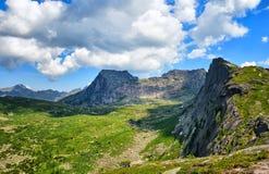 Σειρά βουνών - Στοκ φωτογραφία με δικαίωμα ελεύθερης χρήσης