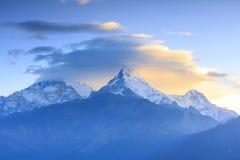 Σειρά βουνών Annapurna με την άποψη ανατολής από Poonhill, διάσημο Στοκ Εικόνες