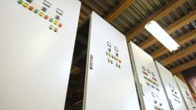 Σειρά γραφείων τηλεφωνικών κέντρων για την ηλεκτρική ενεργειακή λήψη απόθεμα βίντεο