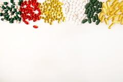 σειρά επιχειρησιακών χαπιών ανασκόπησης Σωρός των ανάμεικτων διάφορων ταμπλετών ιατρικής και Στοκ φωτογραφία με δικαίωμα ελεύθερης χρήσης
