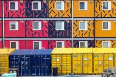 Σειρά ζωηρόχρωμων κινητών εμπορευματοκιβωτίων για τη στέγαση Στοκ Εικόνες
