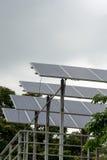 Σειρά ηλιακού πλαισίου στη στέγη Στοκ Φωτογραφία