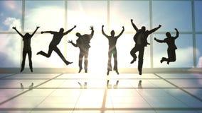 Σειρά πηδώντας επιχειρηματιών σε σε αργή κίνηση απόθεμα βίντεο