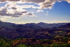 Σειρά των βουνών - Κριμαία στοκ εικόνες