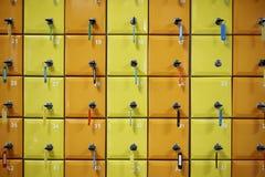 Σειρά χρωματισμένος, που αριθμείται τα ντουλάπια στοκ φωτογραφίες
