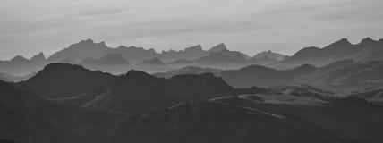 Σειρές βουνών στο Bernese Oberland Στοκ Εικόνες