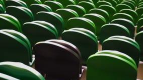 Σειρές των καθισμάτων σε ένα γήπεδο ποδοσφαίρου φιλμ μικρού μήκους