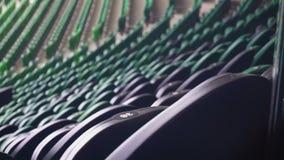 Σειρές των καθισμάτων σε ένα γήπεδο ποδοσφαίρου απόθεμα βίντεο