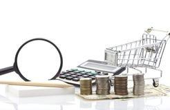 Σειρές των νομισμάτων με τα επιχειρησιακά αντικείμενα και τα αντικείμενα επιχειρησιακών τραπεζικών εργασιών Στοκ εικόνα με δικαίωμα ελεύθερης χρήσης