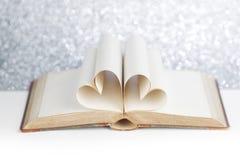 Σελίδες στη μορφή καρδιών Στοκ φωτογραφία με δικαίωμα ελεύθερης χρήσης