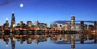 σεληνόφωτο του Σικάγου κάτω Στοκ Φωτογραφίες