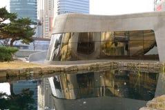 Σεούλ, Νότια Κορέα στις 20 Νοεμβρίου 2016 Dongdaemun σχεδίου plaza κτήριο αρχιτεκτονικής που σχεδιάζεται σύγχρονο από το zaha had Στοκ εικόνες με δικαίωμα ελεύθερης χρήσης