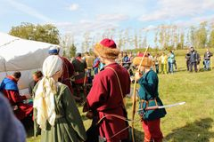 Σεπτέμβριος, 16 2017, Τούλα, Ρωσία - ο διεθνής στρατιωτικός και ιστορικός τομέας ` φεστιβάλ ` Kulikovo: θεατές και συμμετέχοντες Στοκ φωτογραφίες με δικαίωμα ελεύθερης χρήσης