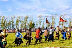 Σεπτέμβριος, 16 2017, Τούλα, Ρωσία - ο διεθνής στρατιωτικός και ιστορικός τομέας ` φεστιβάλ ` Kulikovo: θεατές και συμμετέχοντες Στοκ Φωτογραφία