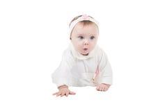 σερνμένος όψη κοριτσιών πατωμάτων μωρών πλάγια αρκετά Στοκ φωτογραφία με δικαίωμα ελεύθερης χρήσης