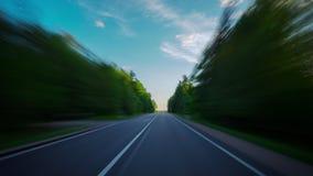 Σε έναν αγροτικό δρόμο στο ηλιοβασίλεμα, χρόνος-σφάλμα απόθεμα βίντεο