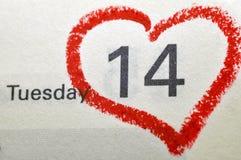 Σελίδα ημερολογιακών σημειωματάριων με ένα κόκκινο γραπτό χέρι κυριώτερο σημείο ο καρδιών Στοκ φωτογραφία με δικαίωμα ελεύθερης χρήσης