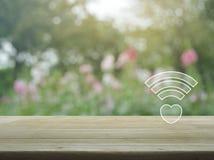 Σε απευθείας σύνδεση σύνδεση αγάπης Διαδικτύου, έννοια ημέρας βαλεντίνων Στοκ φωτογραφία με δικαίωμα ελεύθερης χρήσης