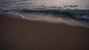 Σε αργή κίνηση αφρός θάλασσας πυροβολισμού φωτογράφων ερασιτεχνικός απόθεμα βίντεο