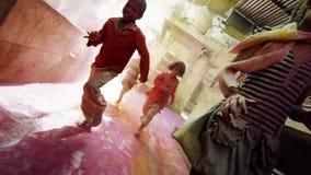 Σε αργή κίνηση παιδιά της Ινδίας απόθεμα βίντεο