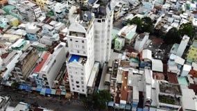 Σε αυτήν την φωτογραφία μπορείτε να δείτε ένα αρκετά πυκνό κτήριο στοκ φωτογραφία με δικαίωμα ελεύθερης χρήσης