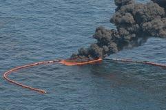 Σε βαθιά νερά διαρροή πετρελαίου οριζόντων σημείου βρασμού Στοκ Φωτογραφία