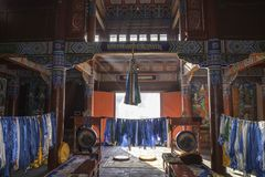 Σε: οι ελαφριές ραβδώσεις λάμπουν μέσω του παραθύρου: Όμορφο διακοσμημένο Lamesery, ημέρα Dazhou Hohhot Στοκ Εικόνες