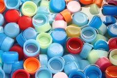 Σε πολλά καλύμματα μπουκαλιών χρωμάτων. Στοκ Φωτογραφία
