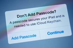 Σε ` τ προσθέστε passcode, passcode εξασφαλίζει το ipad σας Στοκ φωτογραφία με δικαίωμα ελεύθερης χρήσης