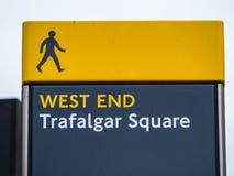 Σημάδια στο Λονδίνο - πλατεία Τραφάλγκαρ στοκ εικόνες