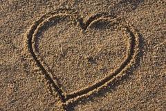 σημάδι άμμου αγάπης καρδιών Στοκ Φωτογραφία