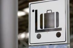 σημάδι αποσκευών κάρρων Στοκ εικόνα με δικαίωμα ελεύθερης χρήσης