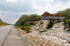 Σημάδι εκτός από το δρόμο της επαρχίας του Γκουαντανάμο, Κούβα στοκ φωτογραφία