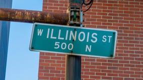 Σημάδι Ιλλινόις ST οδών στο Σικάγο - το ΣΙΚΆΓΟ, ΗΠΑ - 12 ΙΟΥΝΊΟΥ 2019 στοκ εικόνες