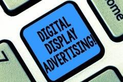 Σημάδι κειμένων που παρουσιάζει διαφήμιση ψηφιακής επίδειξης Η εννοιολογική φωτογραφία μεταβιβάζει ένα εμπορικό μήνυμα χρησιμοποι στοκ φωτογραφίες με δικαίωμα ελεύθερης χρήσης