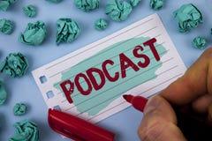 Σημάδι κειμένων που παρουσιάζει σε Podcast εννοιολογική φωτογραφία σε απευθείας σύνδεση ψυχαγωγία πολυμέσων μετάδοσης μέσων ψηφια Στοκ Εικόνα