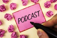Σημάδι κειμένων που παρουσιάζει σε Podcast εννοιολογική φωτογραφία σε απευθείας σύνδεση ψυχαγωγία πολυμέσων μετάδοσης μέσων ψηφια Στοκ εικόνες με δικαίωμα ελεύθερης χρήσης