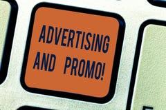 Σημάδι κειμένων που παρουσιάζει τη διαφήμιση και Promo Εννοιολογική φωτογραφία που ενημερώνει τις προοπτικές για το ειδικό κλειδί στοκ φωτογραφίες με δικαίωμα ελεύθερης χρήσης