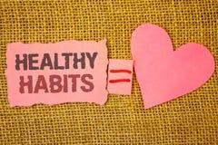 Σημάδι κειμένων που παρουσιάζει υγιείς συνήθειες Η εννοιολογική διατροφή διατροφής φωτογραφιών καλή φροντίζεται σχισμένο equ σημε στοκ φωτογραφίες