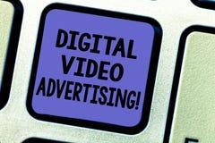 Σημάδι κειμένων που παρουσιάζει ψηφιακή τηλεοπτική διαφήμιση Η εννοιολογική φωτογραφία δεσμεύει το ακροατήριο υπό μορφή τηλεοπτικ στοκ εικόνες