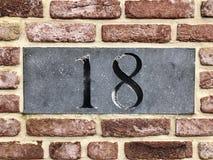 Σημάδι με 18 Στοκ φωτογραφία με δικαίωμα ελεύθερης χρήσης